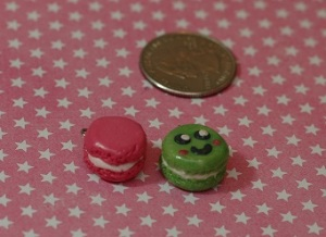 There are macaron cookie sandwiches. This was the first time I made a little face on a sweet :p I really like the cuteness factor so expect more faces in the future.